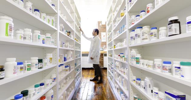 Phải làm những thủ tục gì để có giấy phép đăng ký mở nhà thuốc bán lẻ tại Việt Nam-SBLAW