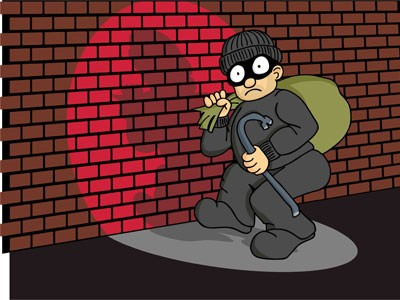 Đứng canh cho đồng bọn ăn trộm, có phải là đồng phạm-sblaw